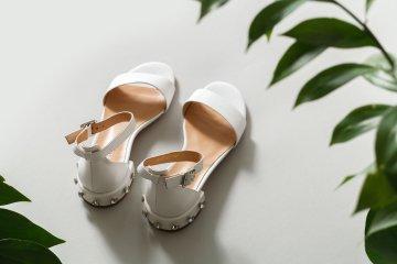 Белоснежные сандалии