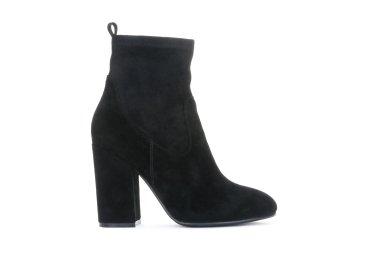 Ботинки на каблуке