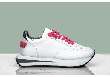 Кроссовки с перфорацией Estro белые ER00107332