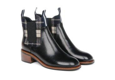 Ботинки кожаные estro чёрные ER00105417