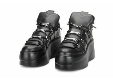 Ботинки демисезонные Estro чёрные ER00105848