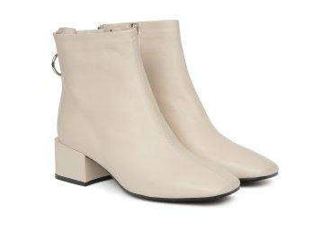 Ботинки женские estro молочные ER00105376