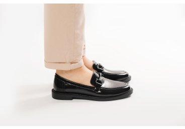 Лоферы кожаные Estro чёрные ER00107880
