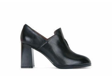 Туфли кожаные Estro чёрные ER00103118