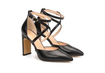 Босоножки женские на каблуке Estro черные ER00107171