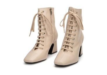 Ботинки женские демисезонные Estro бежевые ER00107167
