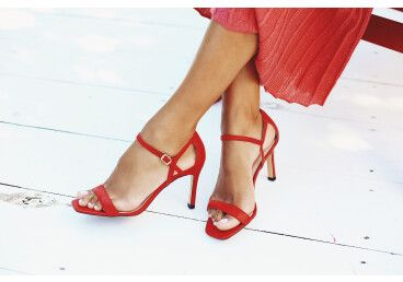 Босоніжки жіночі Estro червоні ER00107772