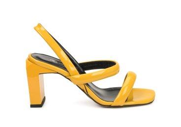 Босоножки женские Estro желтые ER00107406