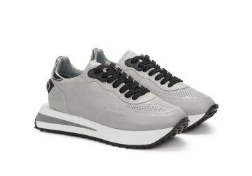 Кросівки жіночі Estro сірі ER00107410