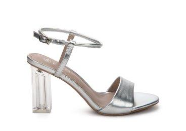 Босоножки женские Estro серебряные ER00107668