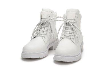 Ботинки демисезонные Estro белые ER00107143