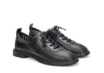 Туфли с перфорацией летние Estro чёрные ER00107123