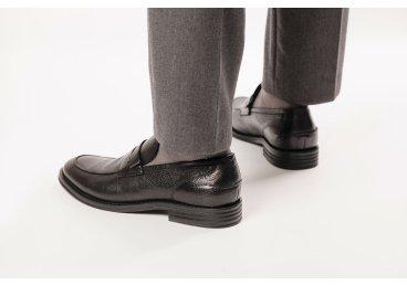 Туфлі чоловічі Estro чорні ER00106410