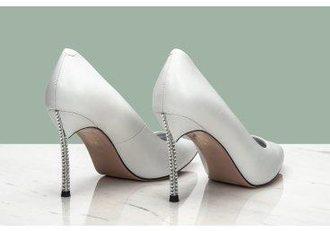 Туфлі човники Estro білі ER00106815