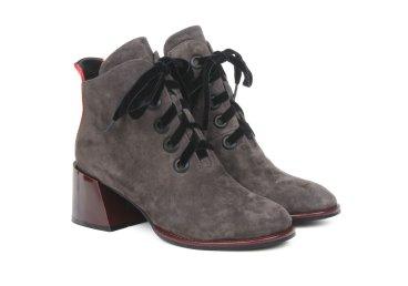 Ботинки замшевые estro серые ER00105345