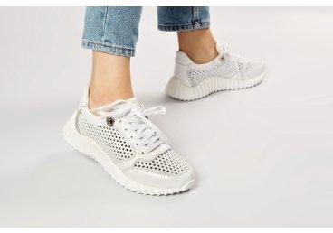 Кроссовки с перфорацией женские Estro белые ER00107340