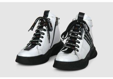 Ботинки демисезонные Estro белые ER00105772