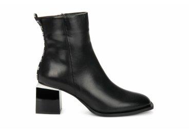 Ботинки женские демисезонные Estro черные ER00105721