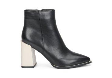 Ботинки женские демисезонные Estro чёрные ER00108038
