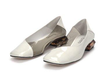 Туфли женские Estro белые ER00106614
