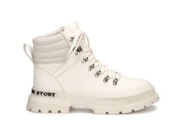 Ботинки демисезонные Estro белые ER00106422