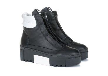 Ботинки женские Vic Matie чёрные ER00103578