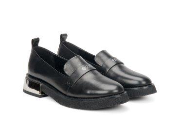 Туфли лоферы Estro чёрные ER00106615