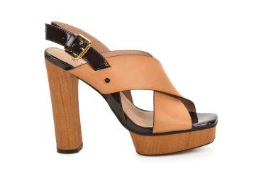 Босоножки женские на каблуке Estro коричневые ER00107481