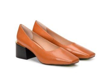 Туфлі жіночі на підборах Estro коричневі ER00107035