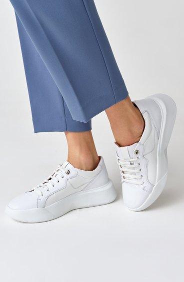 Кроссовки белые Estro ER00109080