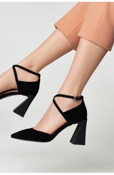 Туфли черные Estro ER00109366