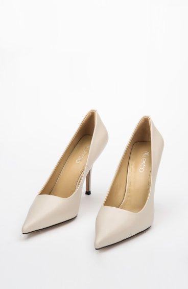 Туфлі-човники бежеві Estro ER00107891